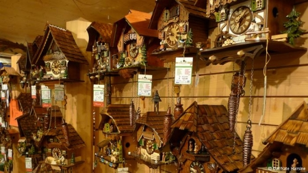 Ceasul cu cuc, detaliu traditional pentru o casa rustica