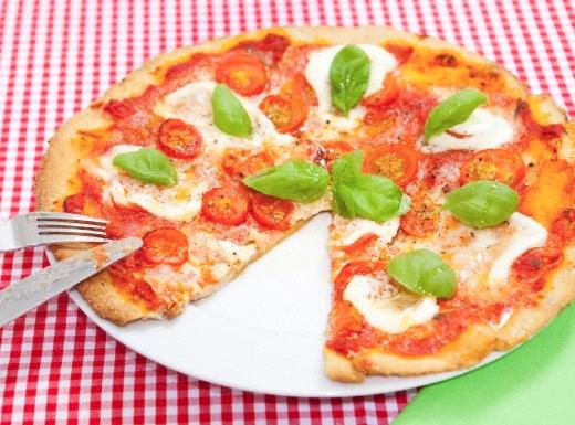 Pizza cu branza si ardei