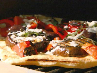 Pizza de sezon, cu rosii si vinete