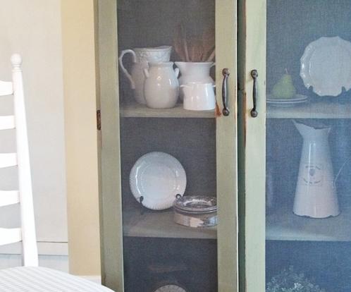 Reconditionarea unui dulap vechi, in dulap decorativ in stil rustic
