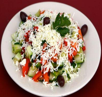 Salata bulgareasca - o reteta simpla