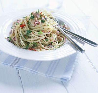 Ce gatim azi? Spaghete cu ton!