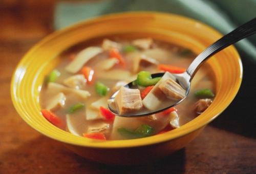 Supa de pui cu ghimbir